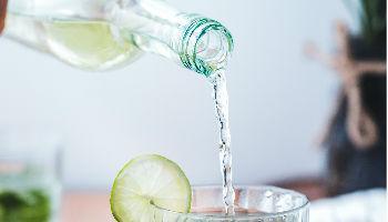 Maak water drinken lekker met 15 recepten